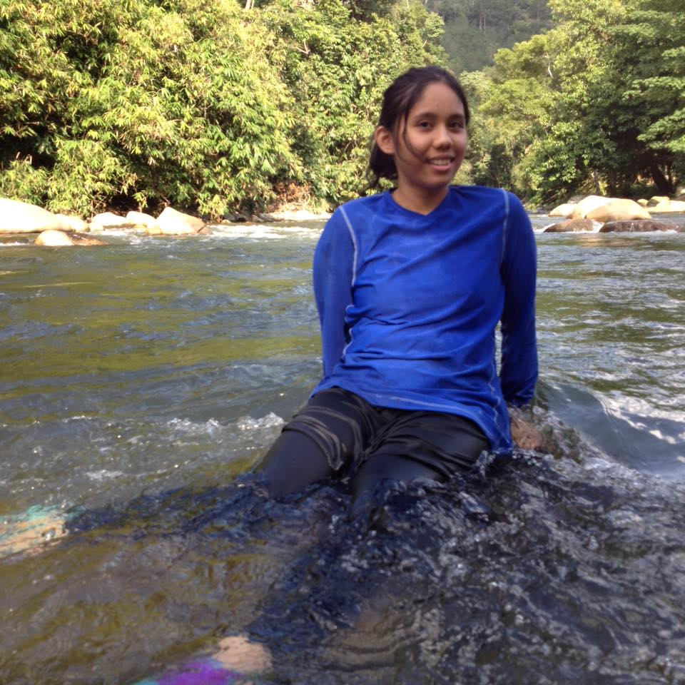 Rafting in Ultra Top & Compression Skirt Pants