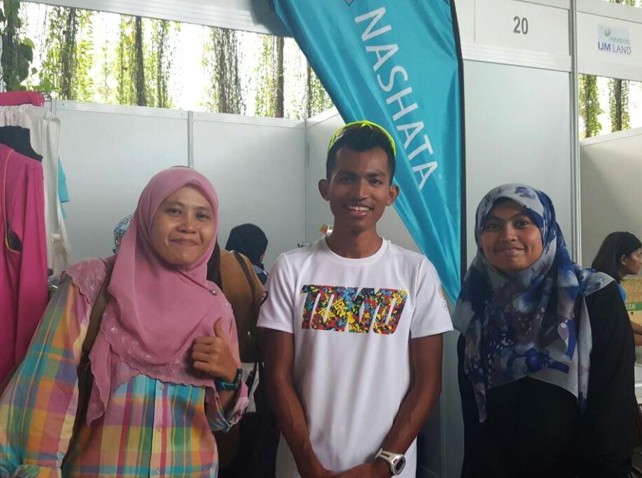 Roziana Harun, Edan Shah & Friend
