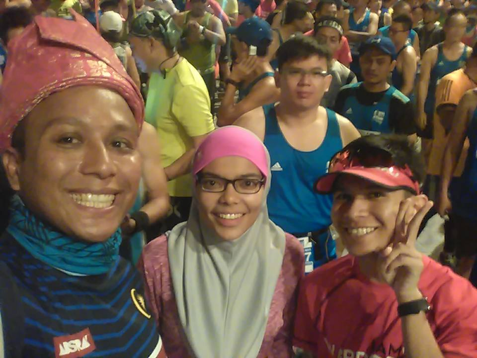 "Let""s take wefie before run! yayy!"