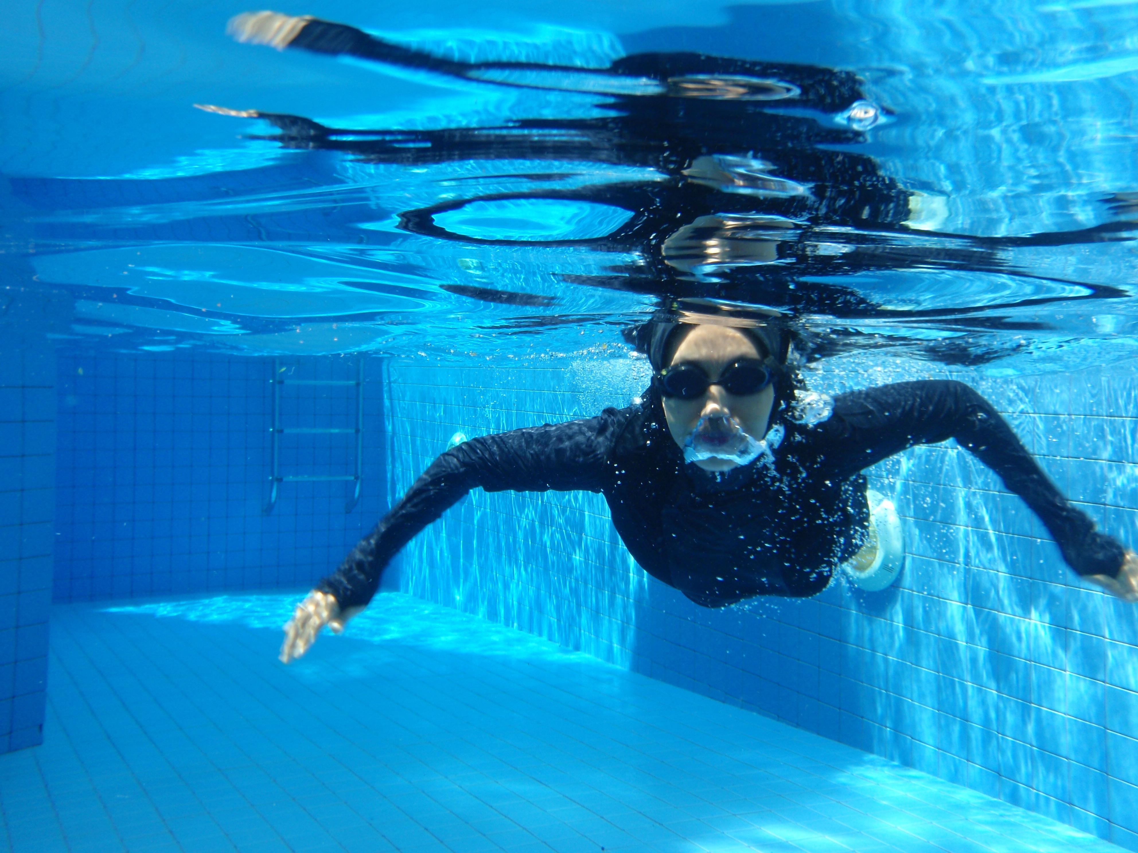 Swimming in Hooda Sports Hijab