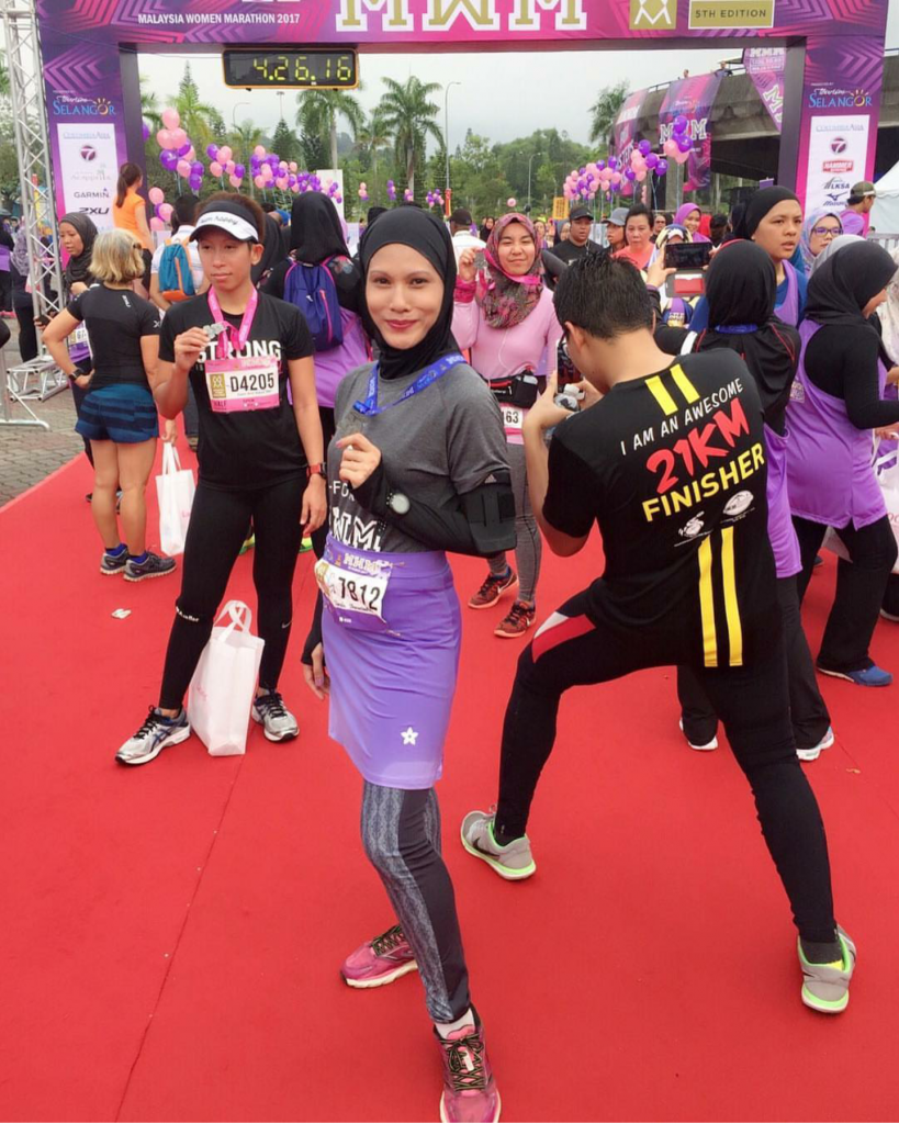 Dr Sarah Shamsuddin the Running Doctor wears Nashata leggings, skirt & sports hijab