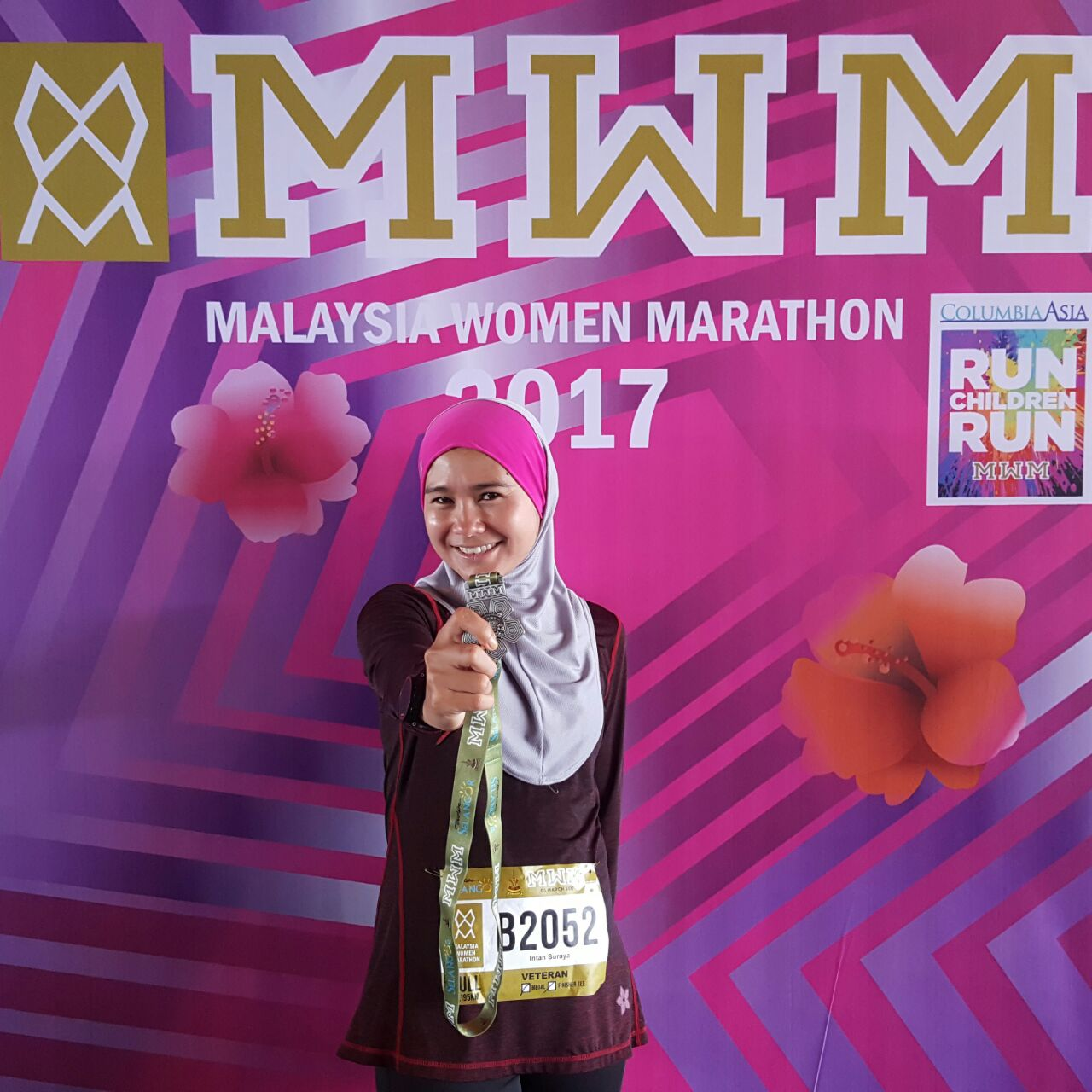 veteran Runner Intan Suraya finished her 10th full marathon strong
