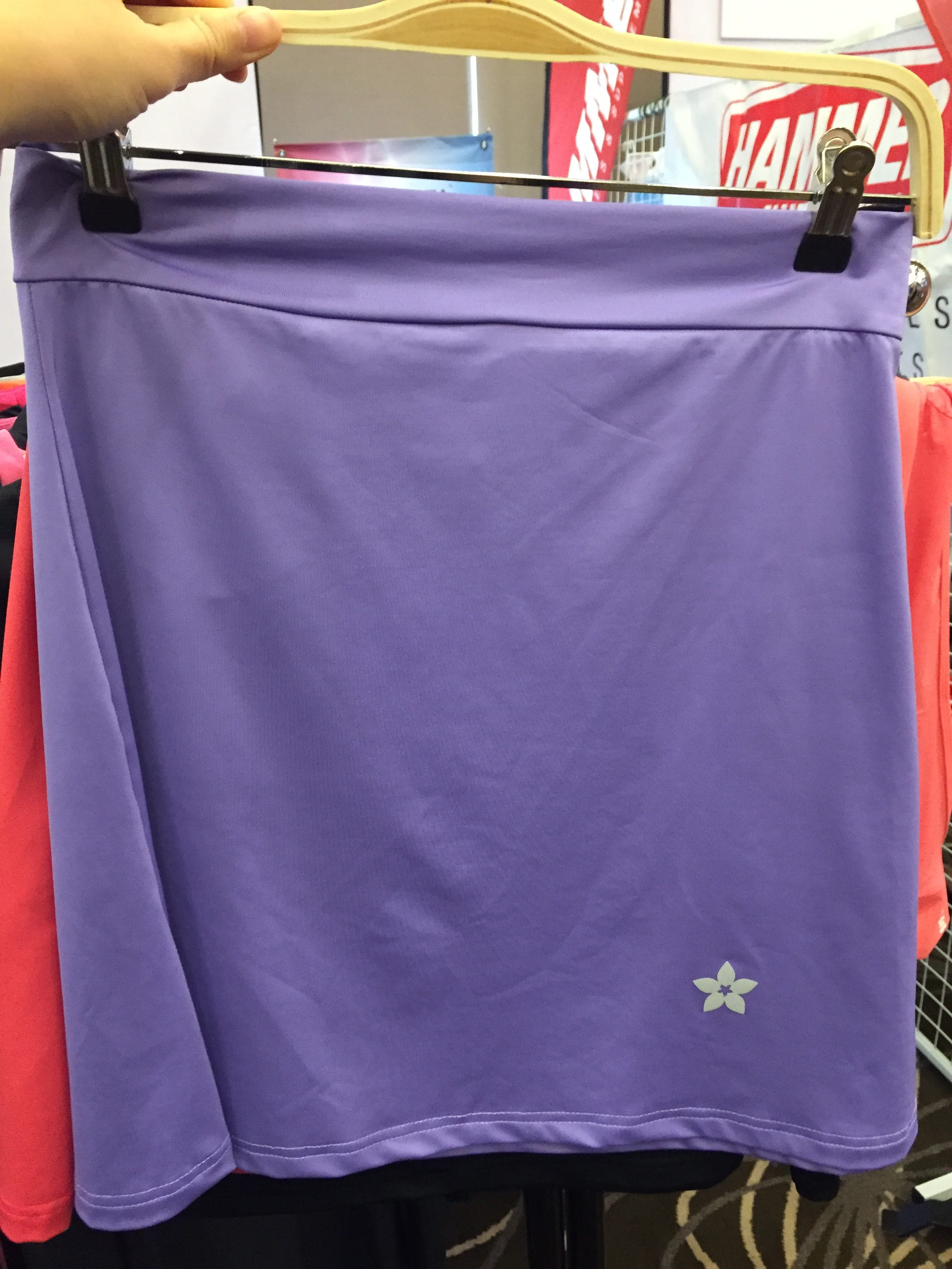 Dropped by Nashata's booth to check out the new EZ skirt