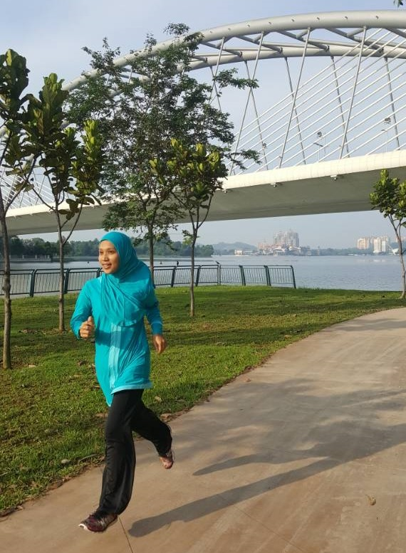Running in Kebaya Sports