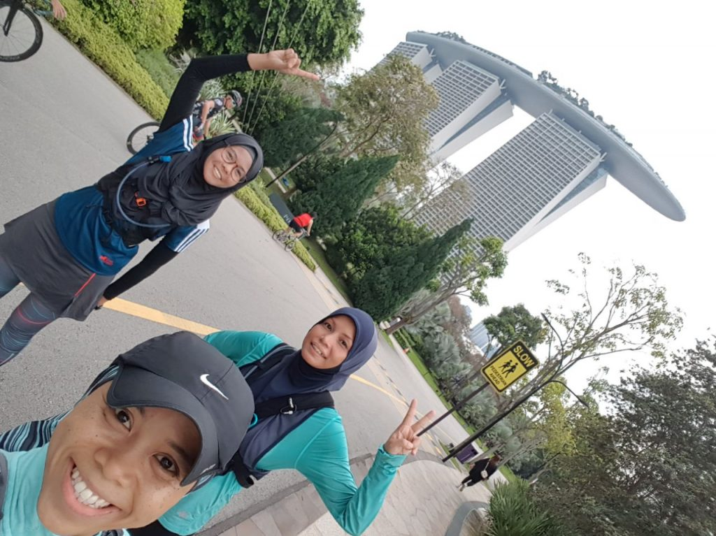 Raudah, Renee and Efah painting Singapore Green